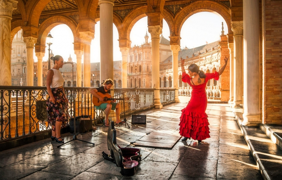 Immerse yourself in Spanish and Portuguese culture